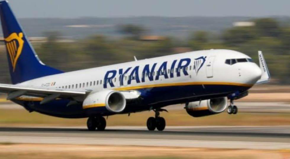CEO da Ryanair diz que deixar os assentos do meio abertos é 'idiota'