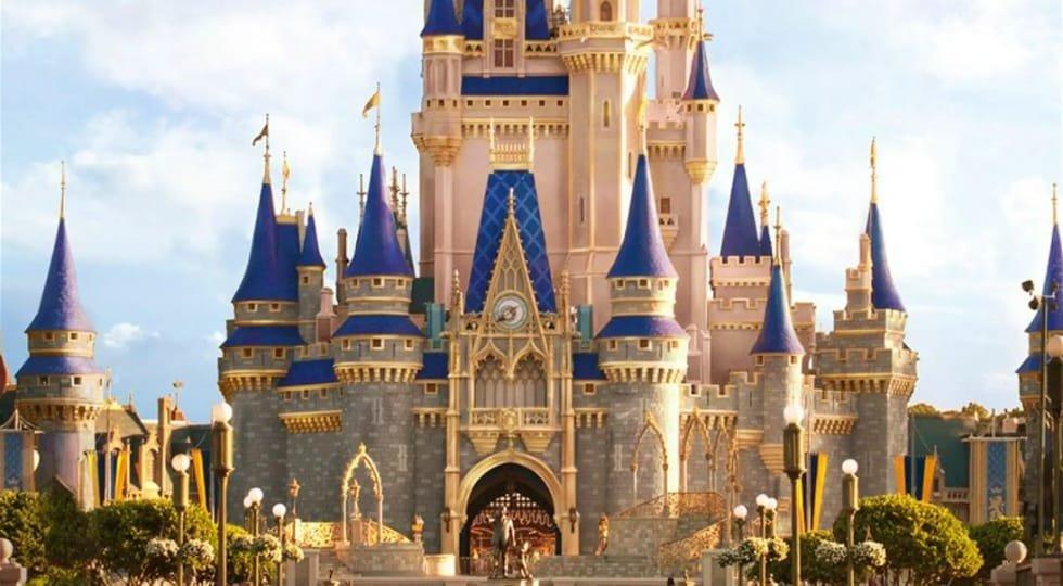 Disney fecha parques de Paris e Orlando e suspende cruzeiros