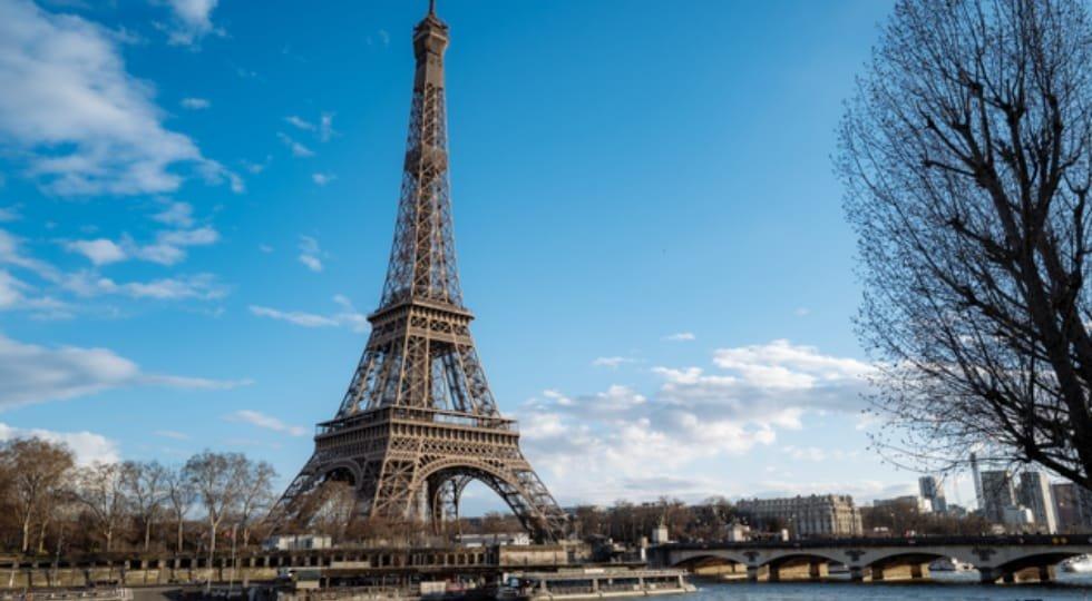 Torre Eiffel voltará a receber visitantes no dia 25 de junho